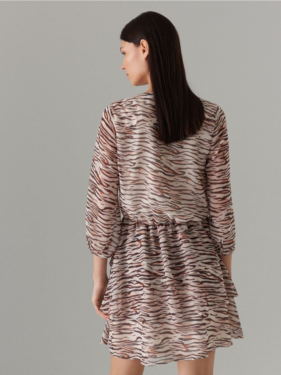 Wrap dress with animal motif - beige - WT509-08P - Mohito - 4