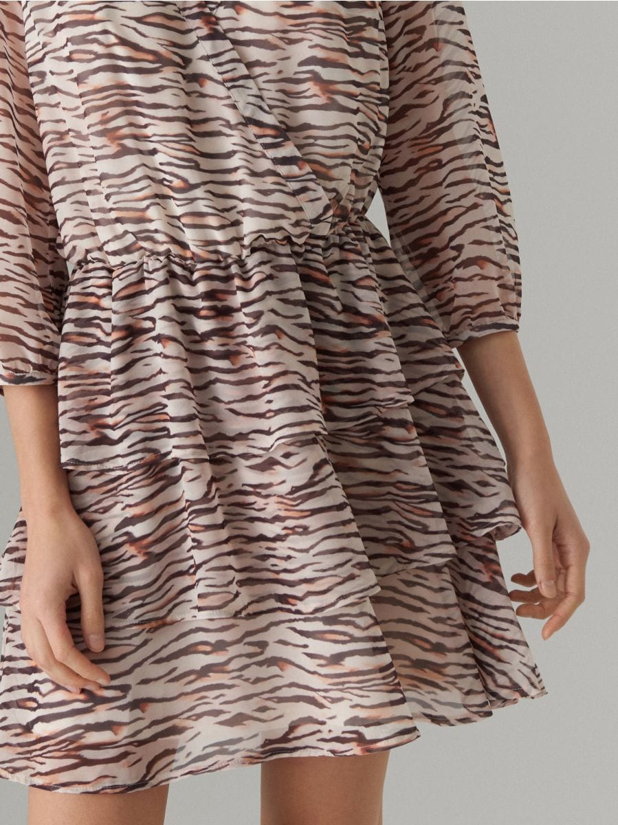 Wrap dress with animal motif - beige - WT509-08P - Mohito - 5