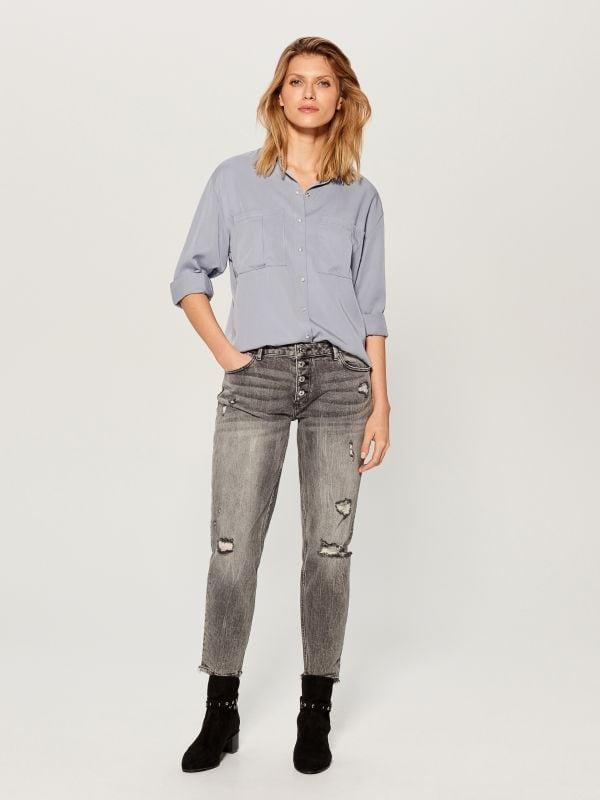 Worn boyfriend jeans - light grey - VC494-09J - Mohito - 3