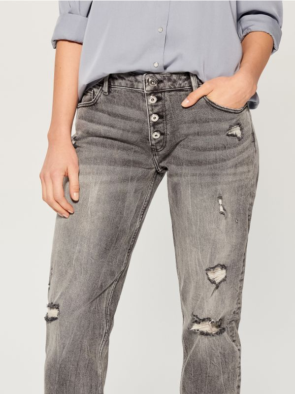Worn boyfriend jeans - light grey - VC494-09J - Mohito - 4