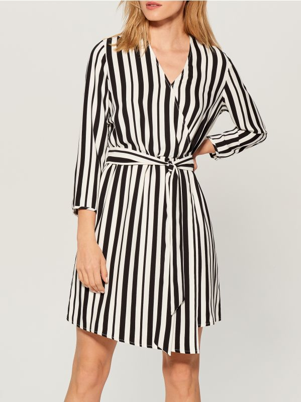 Printed wrap dress - white - VD246-00P - Mohito - 2