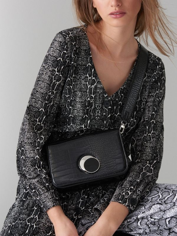 Cross body bag with round clasp - black - VE353-99X - Mohito - 1