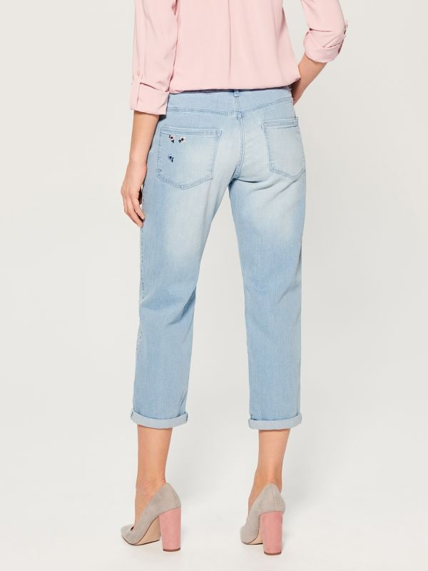 Boyfriend jeans with floral embroidery - blue - VG895-05J - Mohito - 4