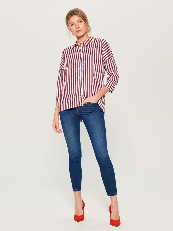 Oversized shirt with V back - red - VN055-33P - Mohito - 3