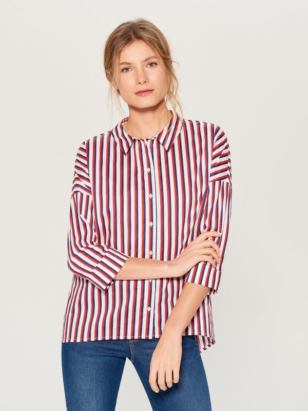 Oversized shirt with V back - red - VN055-33P - Mohito - 4
