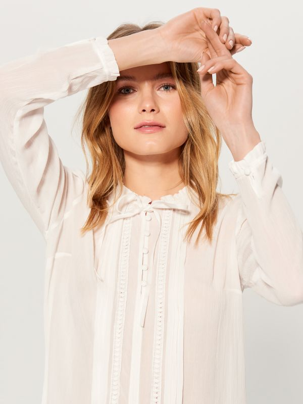 Ruffle neck blouse - ivory - VN124-01X - Mohito - 2
