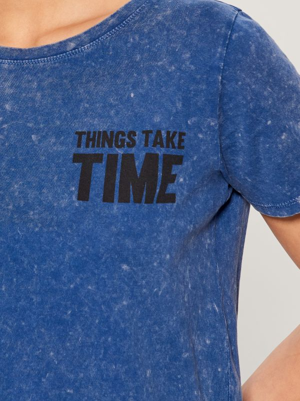 T-shirt with wash effect - blue - VO219-55X - Mohito - 4