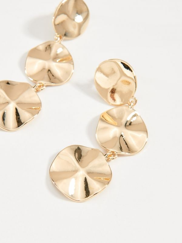 Drop earrings with round pendants - golden - VY365-GLD - Mohito - 2