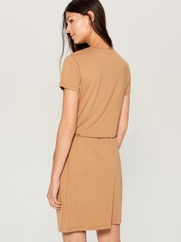 Zipped neckline dress - ivory - VZ846-02X - Mohito - 4