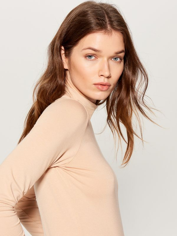 Fitted turtleneck top  - ivory - WB208-02X - Mohito - 2