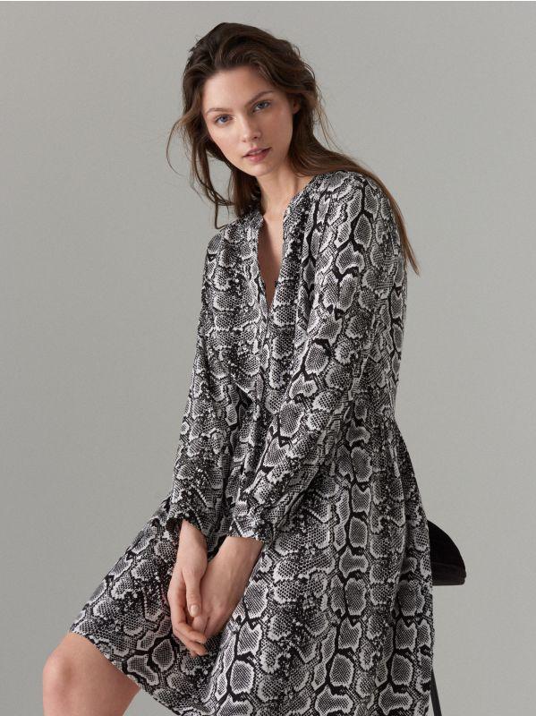 Snake print dress - white - WQ631-00P - Mohito - 1