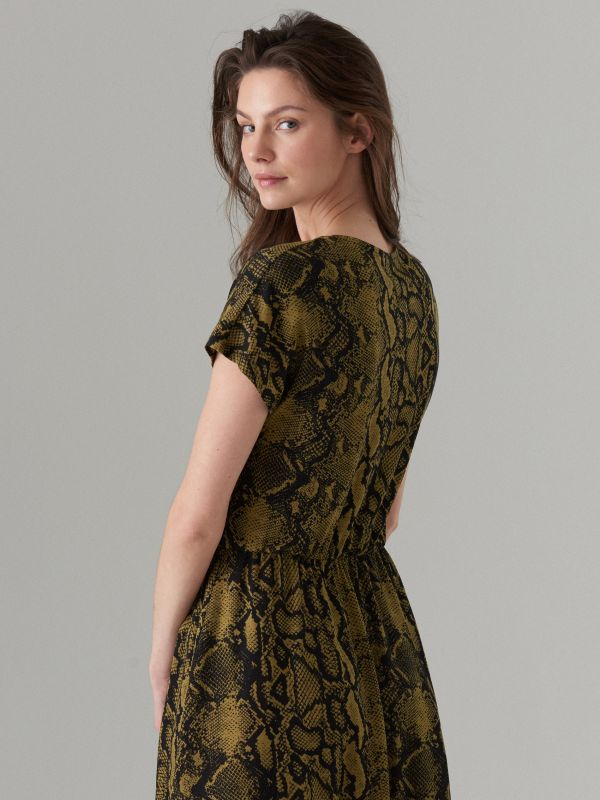 Dress with short sleeves - green - WS204-87P - Mohito - 5
