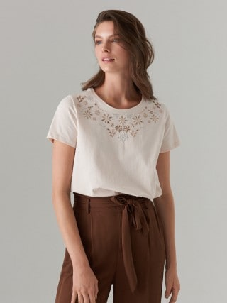 Cotton T-shirt with floral embroidery